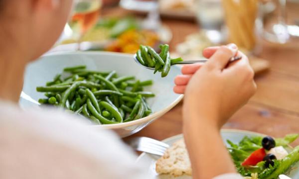 Koronavirüs hastalarına güç veren beslenme önerileri… Ne yemeli, ne içmeli?
