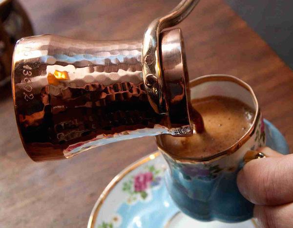 okkali-turk-kahvesi-yapma