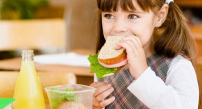 Okul Çocuklarında Beslenme Nasıl Olmalı?